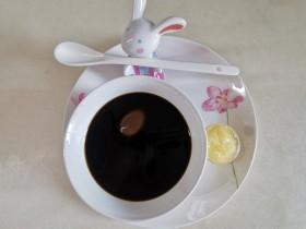 百合熟地鸡蛋汤【养阴清热、宁心安神】