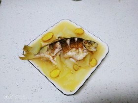 鲫鱼炖冬瓜