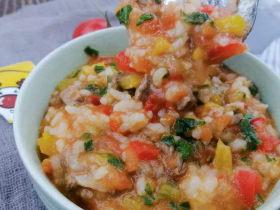 番茄牛肉烩饭,酸甜软糯有营养的宝贝生鲜。「小鹿优鲜」