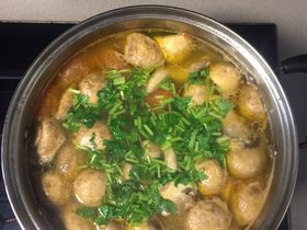 牛尾骨菌菇汤