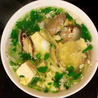 厨房小白也能做的一道美食—花蛤豆腐汤