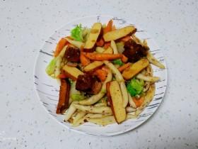 冬至美食+红烧肉炒面鱼