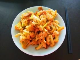 冬至美食+五花肉炒花菜