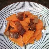 胡萝卜炒腊肉。