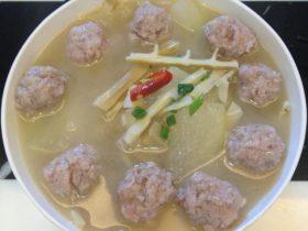 羊尾笋冬瓜肉丸汤