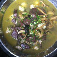 黄花菜香菇鸡血肉丸汤