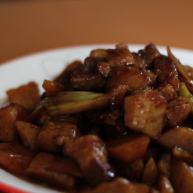 蚝油土豆烧五花肉