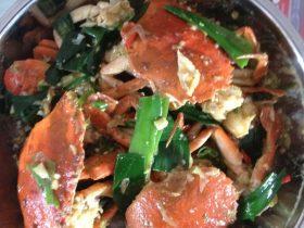 姜蒜爆炒肉蟹