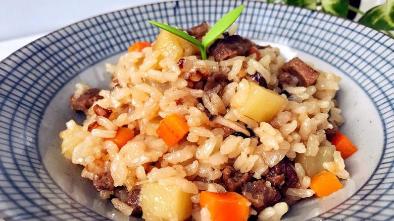 宝宝辅食:有饭、有菜、有肉,啥都有的土豆牛肉焖饭!18M+