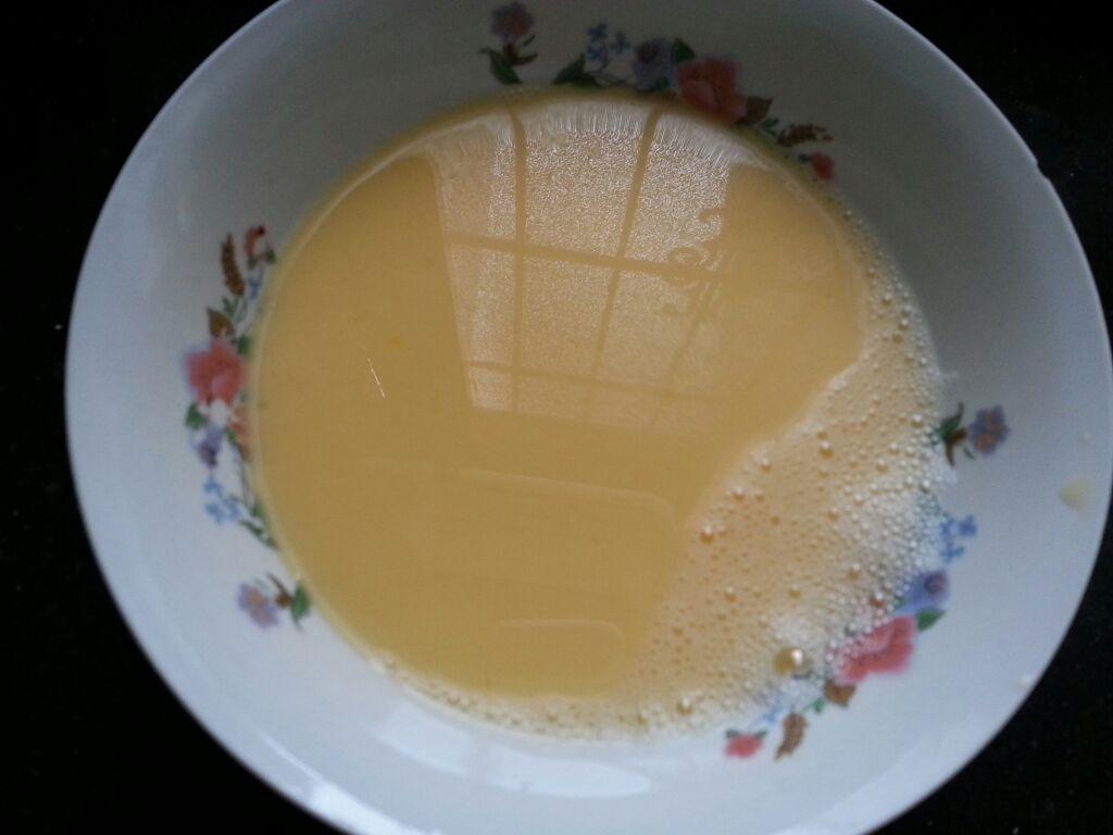 韭黄炒鸡蛋 餐桌小清新的做法和步骤第1张图