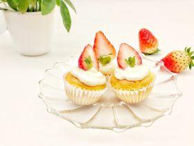 宝宝辅食:草莓奶油杯子蛋糕(豆腐奶油)-