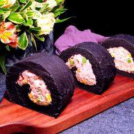蟹柳土豆泥竹炭面包卷