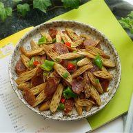 藕带炒香肠