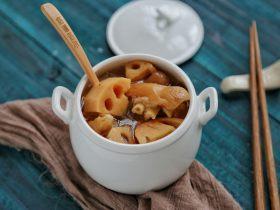 莲藕猪蹄汤