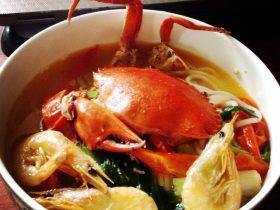 膏蟹海虾汤米粉