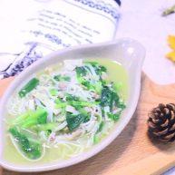 鸡汤面 宝宝营养辅食,鸡腿+小青菜+百叶