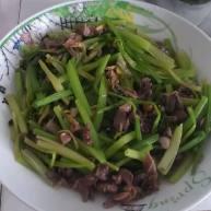芹菜炒鸡肾