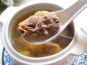 豆芽节瓜沙丁鱼汤