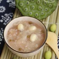 鲜莲子银耳绿豆粥