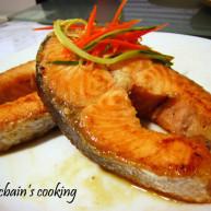 蒜香三文鱼排