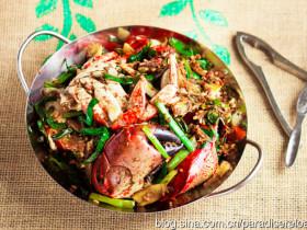 葱姜炒蟹一品锅