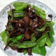 茶树菇炒腊肉