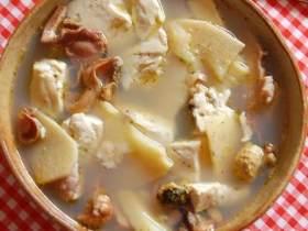 河蚌咸肉豆腐煲