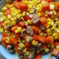 肉炒玉米胡萝卜丁