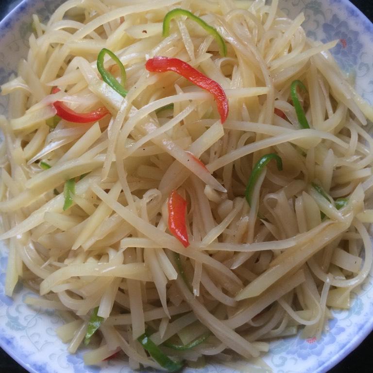 清炒土豆丝的做法和步骤第3张图