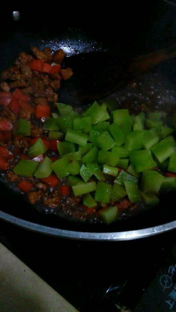 胡萝卜莴笋炒肉丁的做法和步骤第9张图