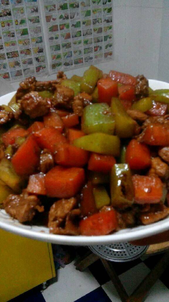 胡萝卜莴笋炒肉丁的做法和步骤第11张图