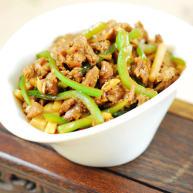 青椒笋丝炒牛肉
