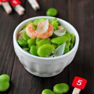 百合虾仁烩蚕豆米