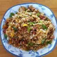 尖椒鸡蛋香肠炒米饭,美味看得见…