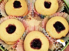 特浓奶香蓝莓酱酥饼