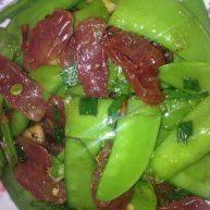 广式香肠炒荷兰豆
