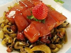 红烧肉焖酸菜