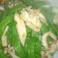豌豆荚炒鱿鱼