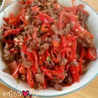 红辣椒炒牛肉