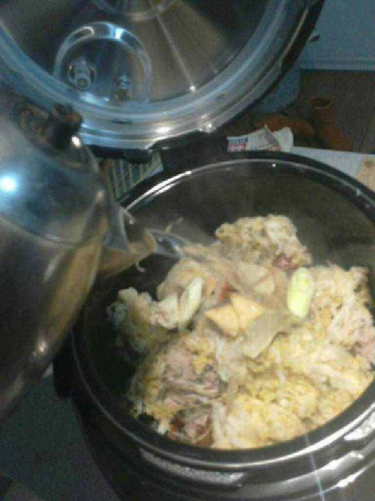 酸菜炖猪骨汤的做法和步骤第5张图