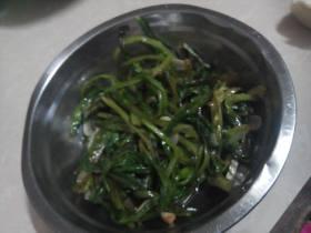 蒜白灼油麦菜