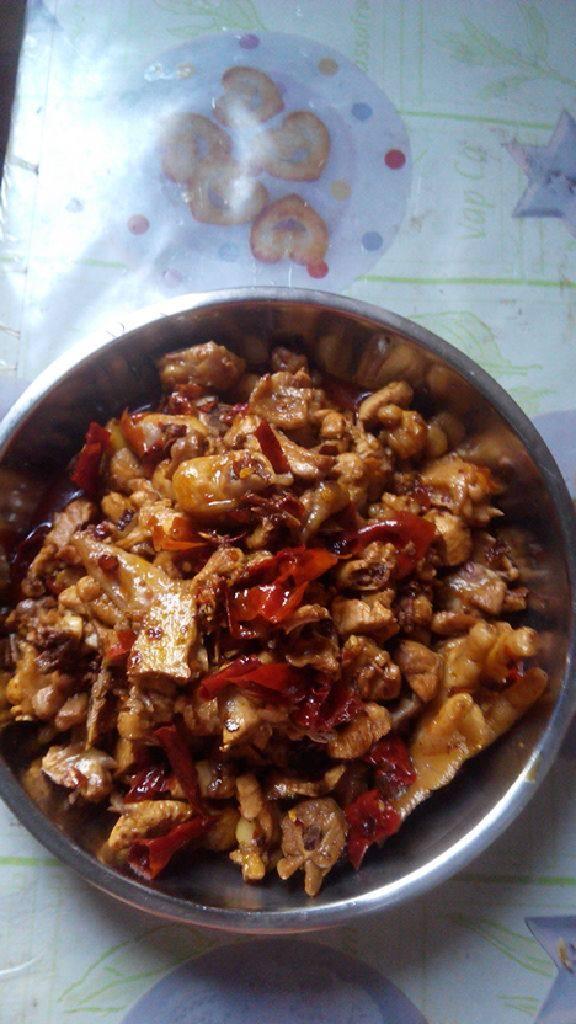 干辣椒炒鸡肉