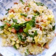 生菜鸡蛋香肠炒饭