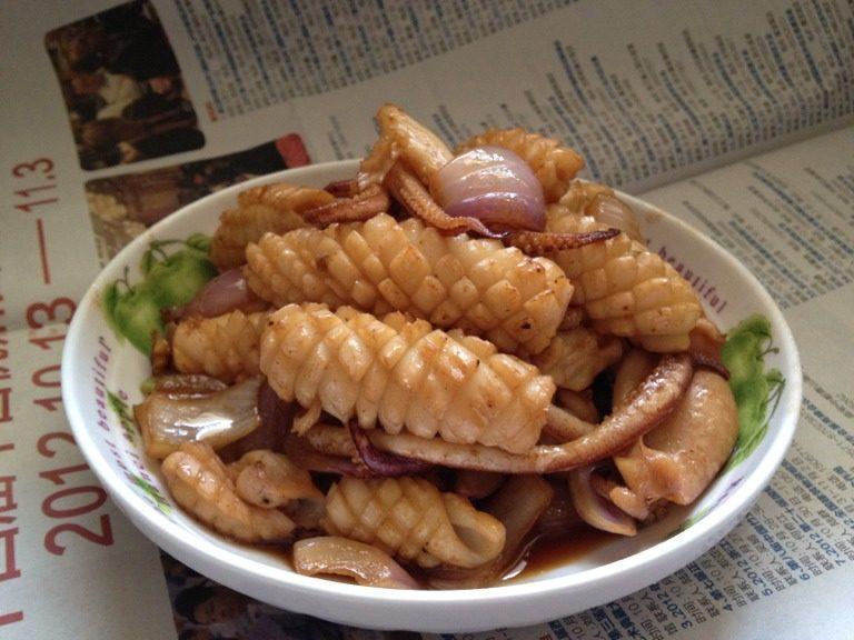 洋葱爆鲜魷鱼
