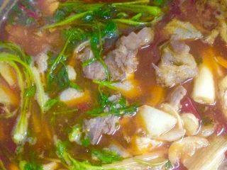 泡椒排骨汤锅