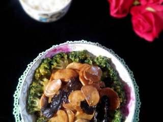 杏鲍菇炒西兰花