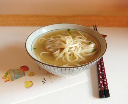 精炖牛腿汤