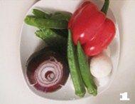 北极虾黑椒口蘑炖饭,准备好食材,大米洗净备用。
