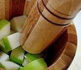 韩国腌黄瓜,把青苹果切成小块