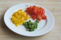 法式牛肉粒,红、黄椒切成小丁